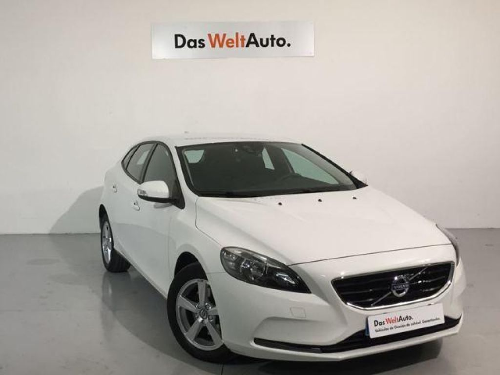 Volvo V40 2.0 D2 Kinetic segunda mano Madrid