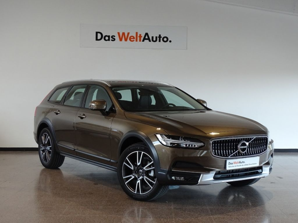 Volvo V90 Cross Country 2.0 D4 AWD Auto segunda mano Madrid