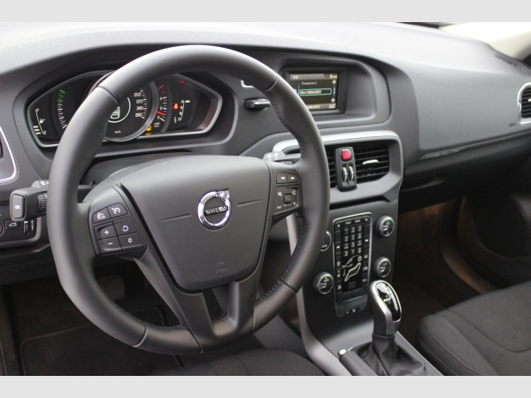 Volvo V40 Cross Country 2.0 D2 Kinetic Auto nuevo Zaragoza