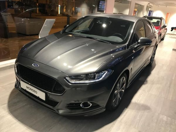 Ford Mondeo 2.0 TDCi 110kW (150CV) ST-Line nuevo Barcelona